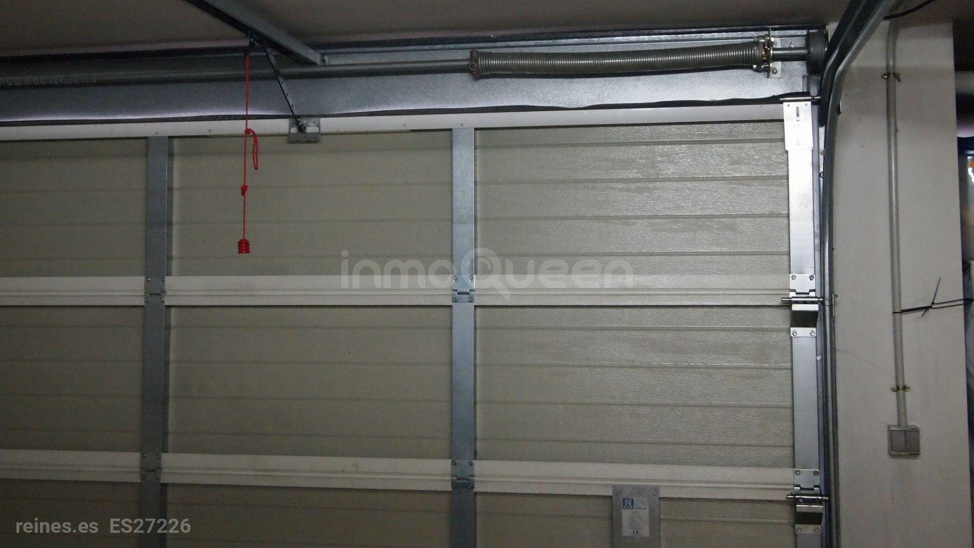 Puerta automática, capacidad para 2 coches